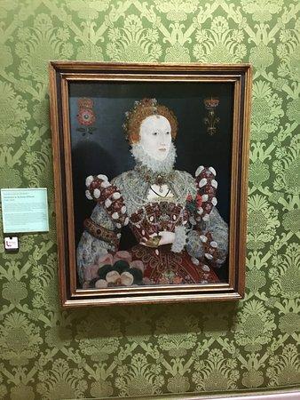 Walker Art Gallery: QE1