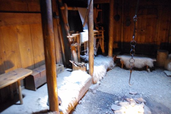 Patreksfjordur, ไอซ์แลนด์: INside of Eric the Red longhouse