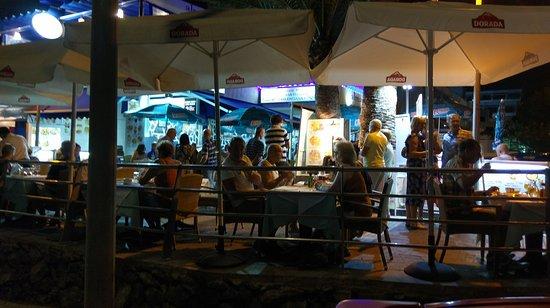 La Gran Paella Valenciana: Very rare view for Tenerife - people queing for a table in Gran Paella Valenciana.