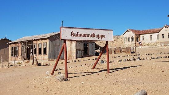 مدينة أشباح كولمانسكوب: Town name board/sign