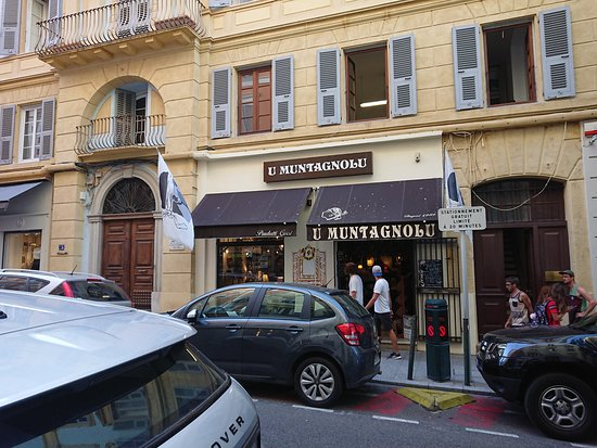 Bastia, Frankrike: One of the many excellent shops on Rue Cesar Campinchi