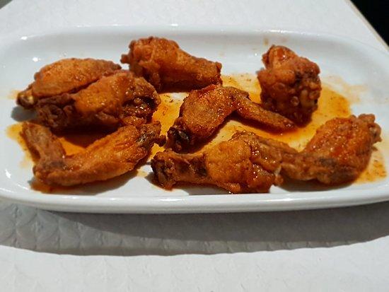 Agua de Pau, Πορτογαλία: Asas de frango picantes