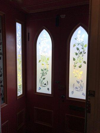 Murray Manor Art & Culture House: Front door
