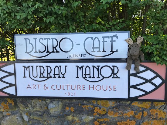 Murray Manor Art & Culture House: Sign with Joe Herlihy