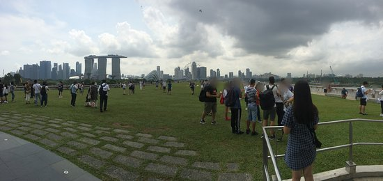Marina Barrage: On the roof of the building by the barrage.