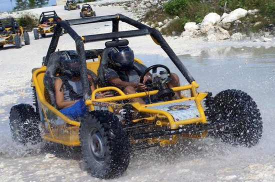 Aventura en buggy en Punta Cana a la...