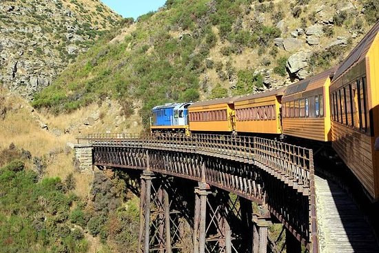 Excursion à terre: Train de la gorge...