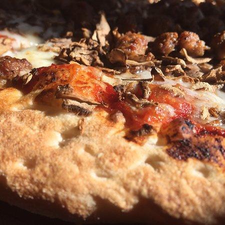 Imagen de Two Guys Pizza Pies