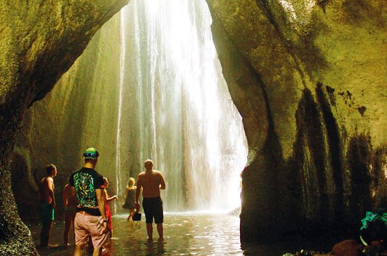 AMAZING TUKAD CEPUNG WATERFALL AND...