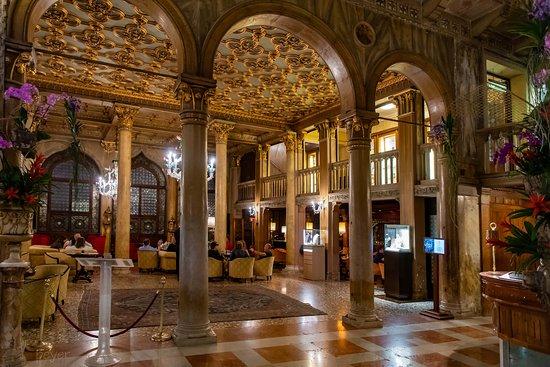 Kronleuchter Palazzo ~ Herrlicher kronleuchter picture of bar dandolo venice tripadvisor