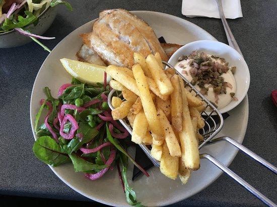 Burns Beach, Australien: Grilled Barramundi