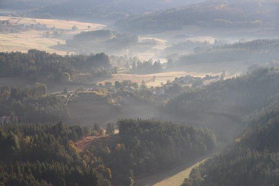 Viverols, Francia: Brumes matinales depuis la montgolfière
