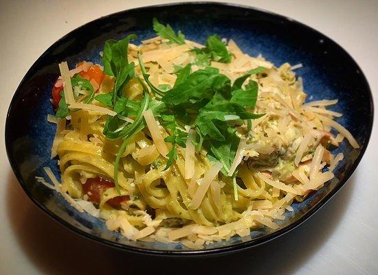 pasta kip pesto - picture of h32, oss - tripadvisor