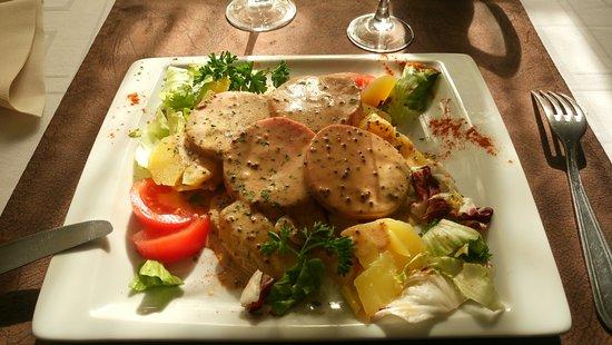 Saint-Pol-sur-Ternoise, França: Salade cervelas ( menu à 17 euros)