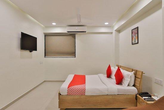 OYO 12462 Hotel Shiv Inn