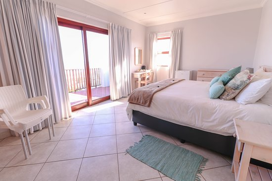 Oyster Bay, Sudáfrica: Brakkeduine with own bathroom and private balcony