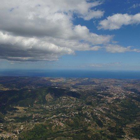 Gimigliano, Italie : Foto aerea della costa ionica fatta dall'Agriturismo Tre Arie dal Pilota S.A.P.R. Mario Scalzo