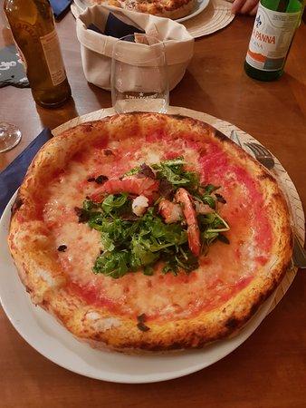 Belp, سويسرا: Pizza L'Osteria