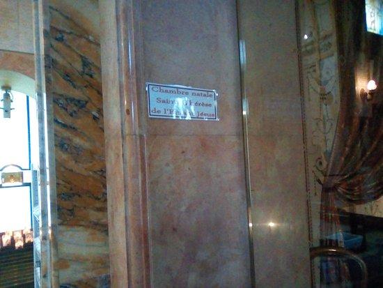 Birthplace of St. Therese - Shrine of Alencon: vue du sanctuaire