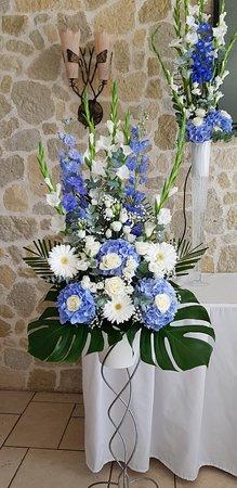 Saint-Fargeau-Ponthierry, França: Fleurs de notre mariage salle La Roseraie