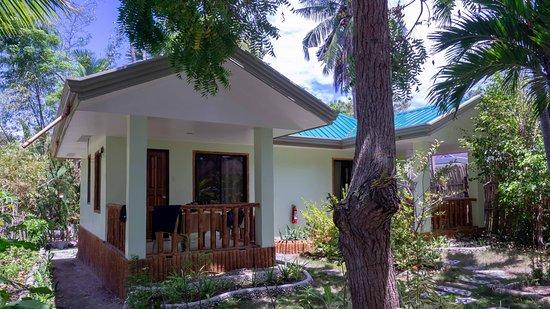 Cabilao Island, Filippinerna: Our bungalow
