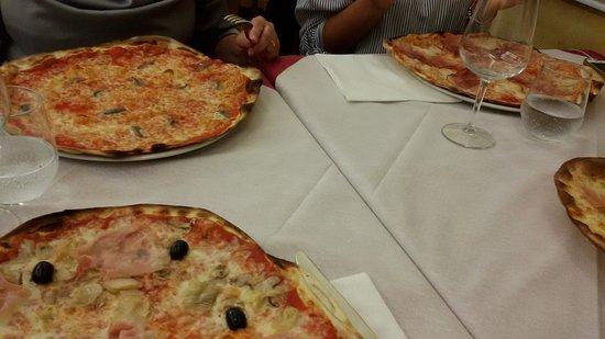 Valentano, Italy: Pizze varie