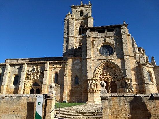 Iglesia de Santa Maria La Real: IMG_20181005_104708014_large.jpg