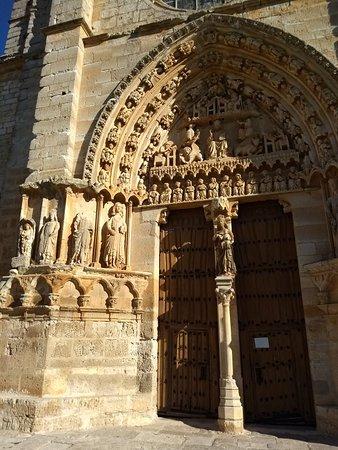 Iglesia de Santa Maria La Real: IMG_20181005_104359422_large.jpg