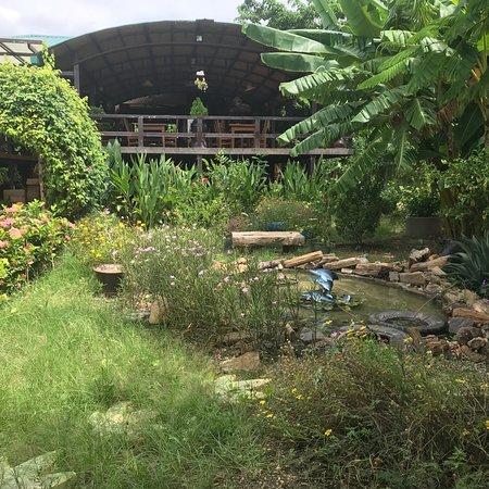 Pakokku, Μιανμάρ: River Garden Kitchen
