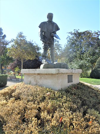 Statue Jules Bastien Lepage