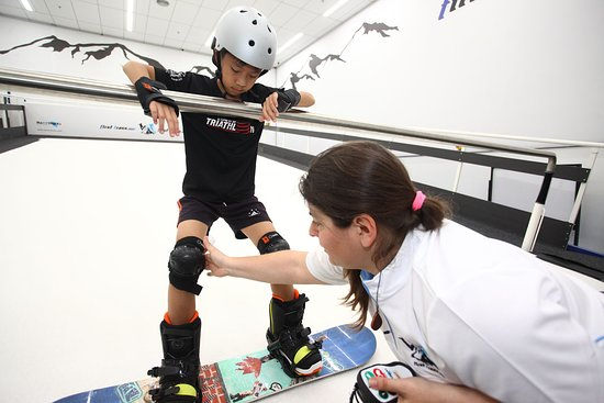 First Traxx Ski & Snowboard Centre: The slope is controlled by the instructor at all times by a wireless remote.