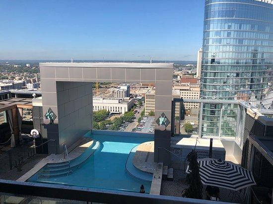 L27 Rooftop Bar