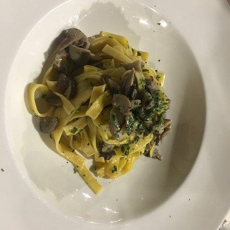 Cordenons, Italia: Al curtif - Tallarines con champiñones