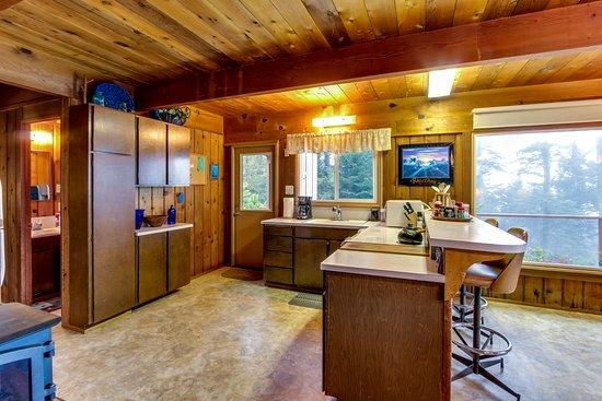 Otter Rock, OR: Kitchen