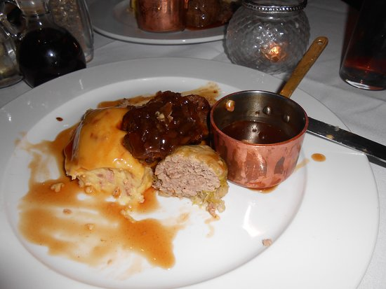 Clowne, UK : Liver & onions after tasting the fare - delicious!