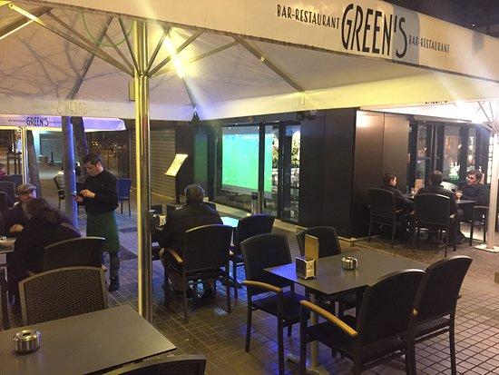 Partidos De Fútbol En La Terraza Picture Of Restaurante