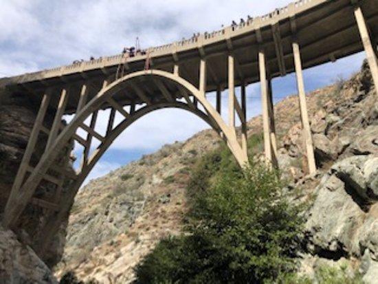 写真Bridge To Nowhere枚