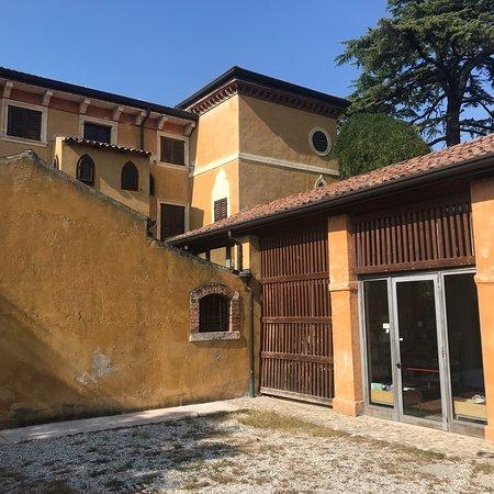 Villa Ciresola - Biblioteca Comunale Galileo Galilei