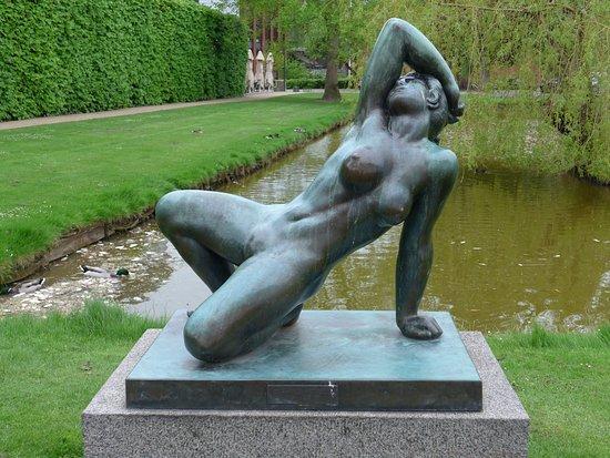 Danae- Statue