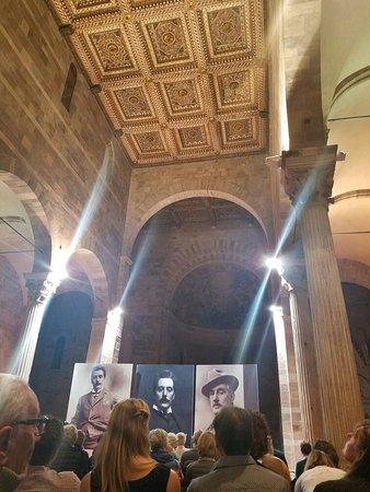 Lucca's Duomo (Cattedrale di San Martino): 20181007_191245_001_large.jpg