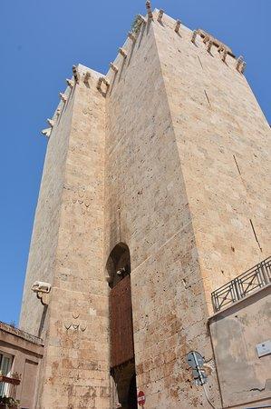 Torre dell'Elefante: ....