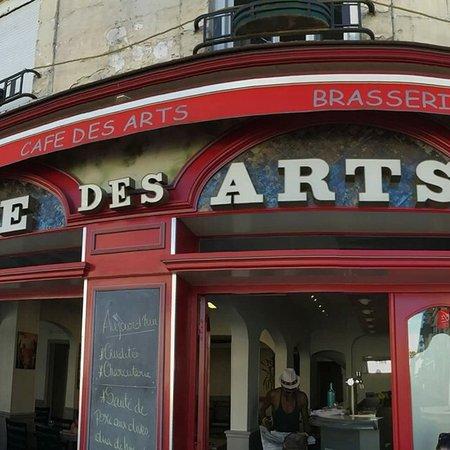 La Chartre-sur-le-Loir, Prancis: Cafe des Arts