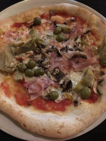 Ristorante Aristotele: Pizza Capricciosa