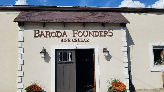 ‪Founders Wine Cellar‬