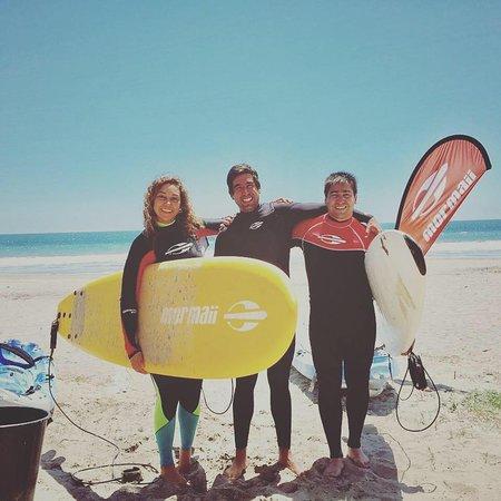 La Herradura, Cile: Clases de surf en playa de La Serena y arriendo de tablas para seguir todo el día.