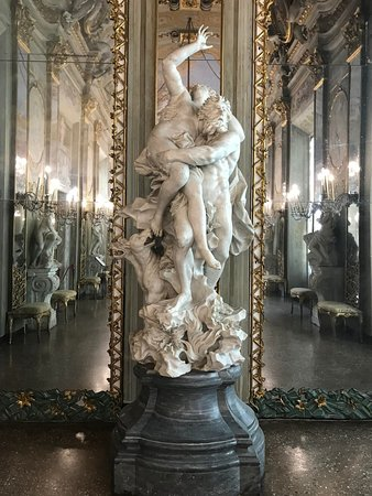 Provided by royal palace museum museo di palazzo reale for Inside genova madrid