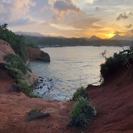 dominica haven Red rock