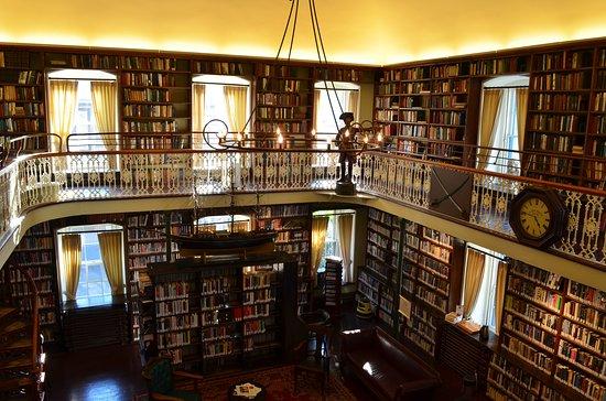Bibliothèque au Morrin Centre