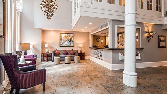 Best Western Plus St. Christopher Hotel: LOBBY