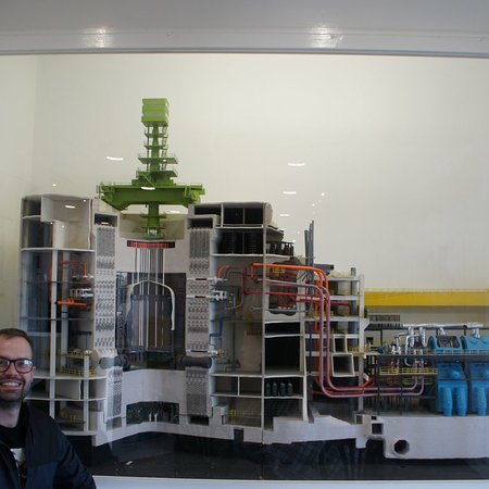 Torness Nuclear Power Station: photo1.jpg